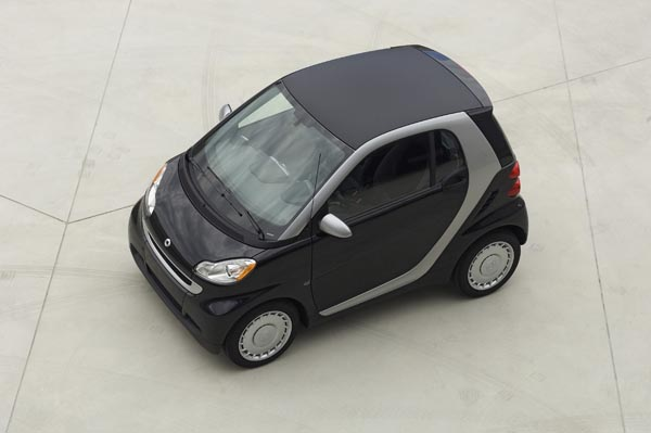 Thousands of Smart cars recalled in Canada over fire risk